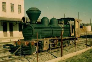Locomotiva 221 no pátio da Oficina de Cruzeiro
