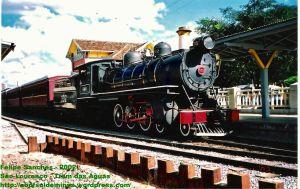Locomotiva 332 na Estação de São Lourenço em 2002