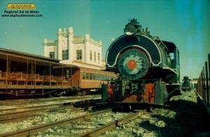 Locomotiva 2 no pátio de Cruzeiro, logo após ter sido transferida para a Regional de Cruzeiro