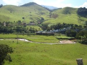Composição subindo a Serra da Mantiqueira
