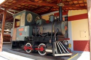 Locomotiva 8 na estação de São Lourenço