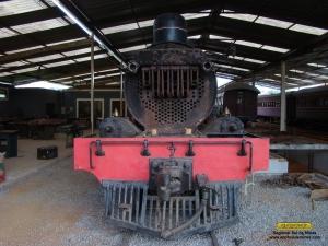 Detalhe da frente da locomotiva e do superaquecedor