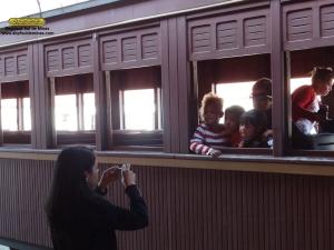 Mas antes de desembarcar, muitos aproveitaram para fazer fotos de lembrança