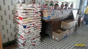 Parte dos produtos arrecadados estocados a mostra na estação de São Lourenço