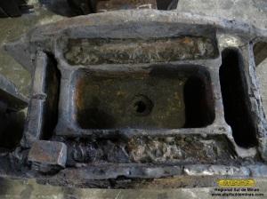 Aspecto dos reservatórios de óleo de uma das caixas.