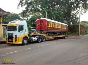 O carro após embarque em Anhumas e pronto para seguir viagem para São Lourenço