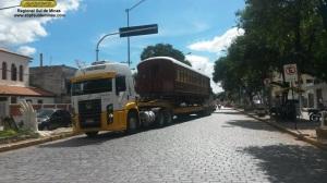 Nas ruas de São Lourenço, se aproximando da estação