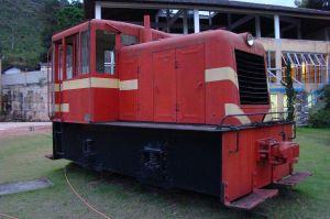 A locomotiva antes de ser transportada para Cruzeiro