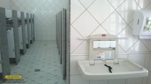 Fraldário instalado no banheiro feminino