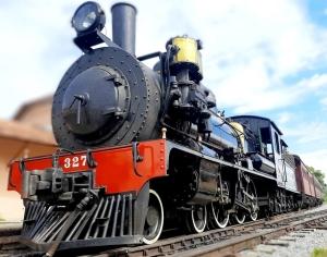 Locomotiva 327 em Passa Quatro