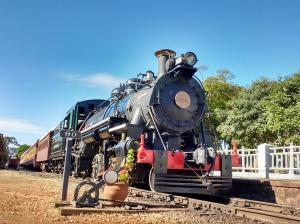 Composição na Estação de São Lourenço, com a locomotiva 1424